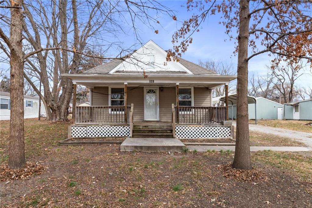 841 E Hamblin Street Property Photo - Ottawa, KS real estate listing