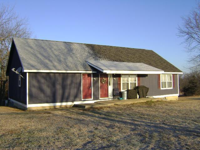 9241 Hamm Drive Property Photo - Oskaloosa, KS real estate listing