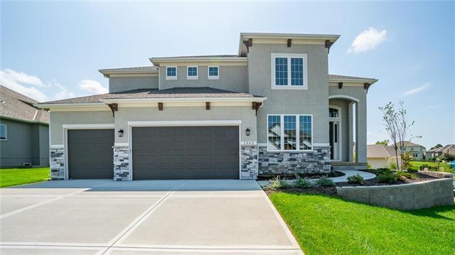 1862 NE Park Ridge Drive Property Photo - Lee's Summit, MO real estate listing