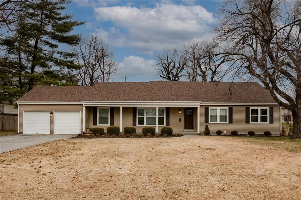 3900 W 95th Terrace Property Photo - Overland Park, KS real estate listing