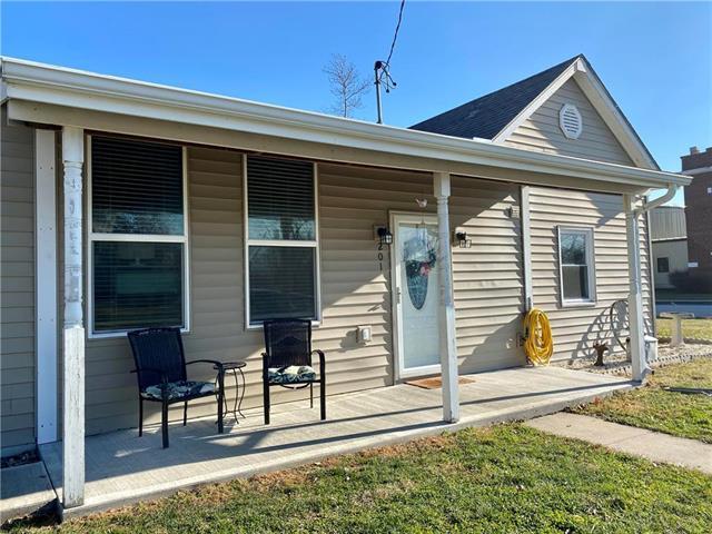 201 ADAMS Street Property Photo - Orrick, MO real estate listing