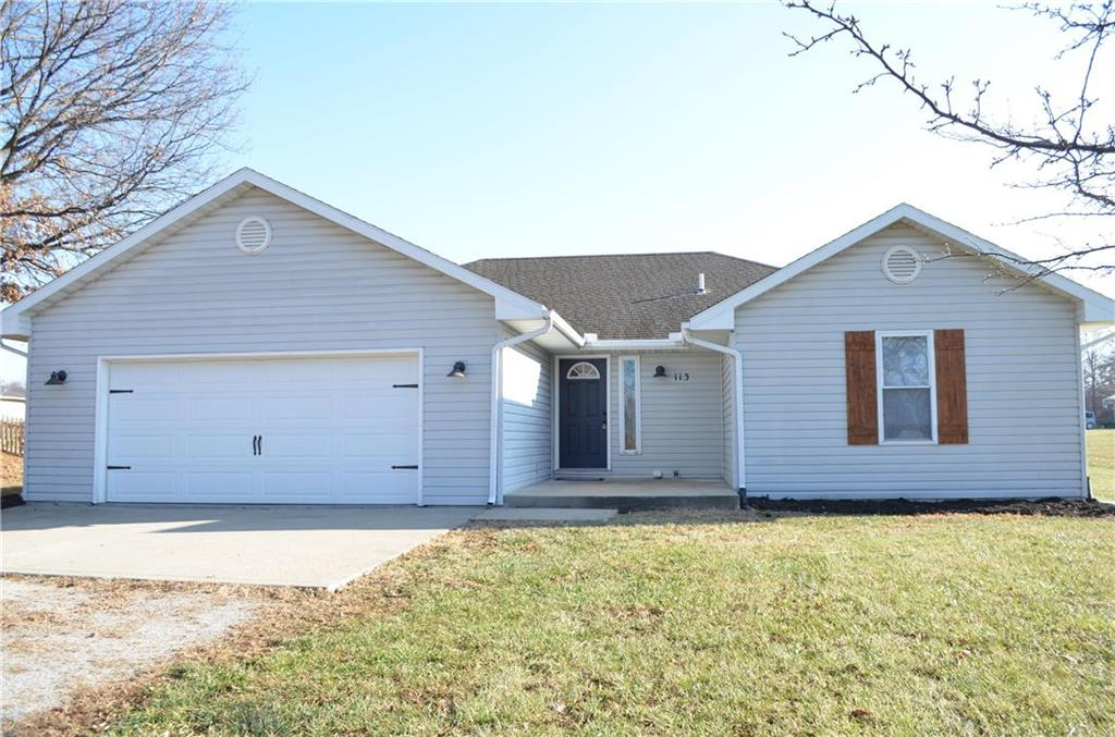113 N Elm Street Property Photo - Lathrop, MO real estate listing