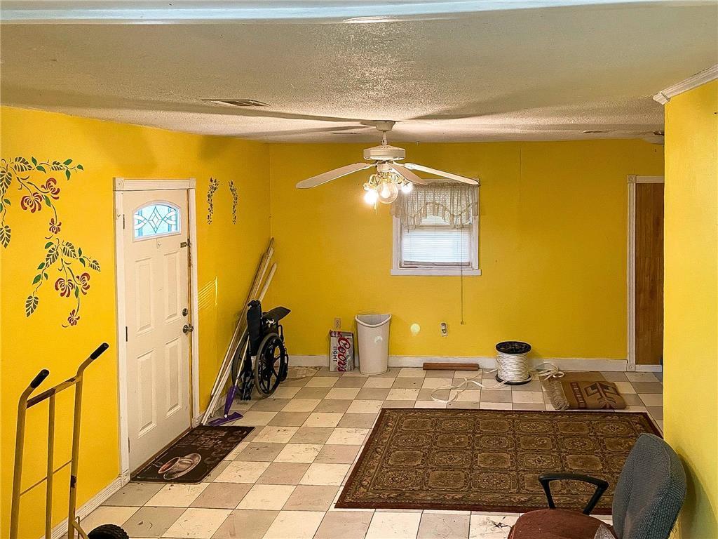702 S Summit Avenue Property Photo 8