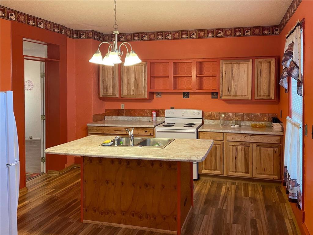 702 S Summit Avenue Property Photo 9