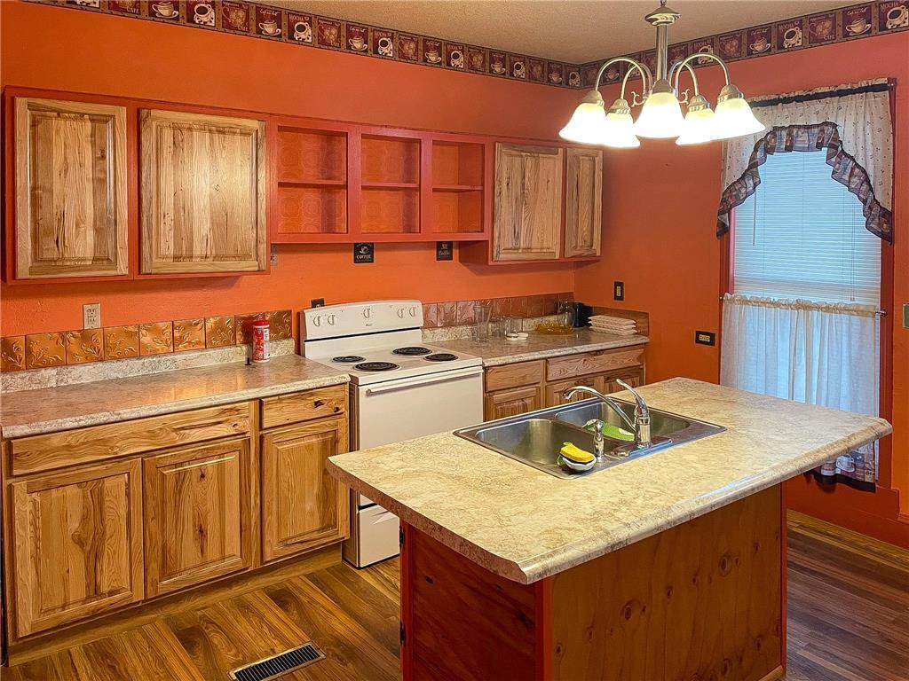 702 S Summit Avenue Property Photo 10