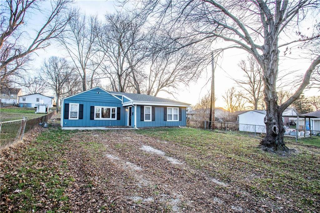 10915 E 8th Street Property Photo - Independence, MO real estate listing
