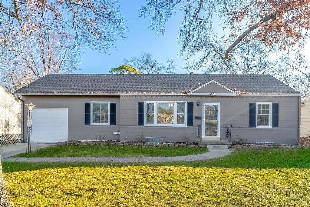5531 Sherwood Drive Property Photo - Roeland Park, KS real estate listing