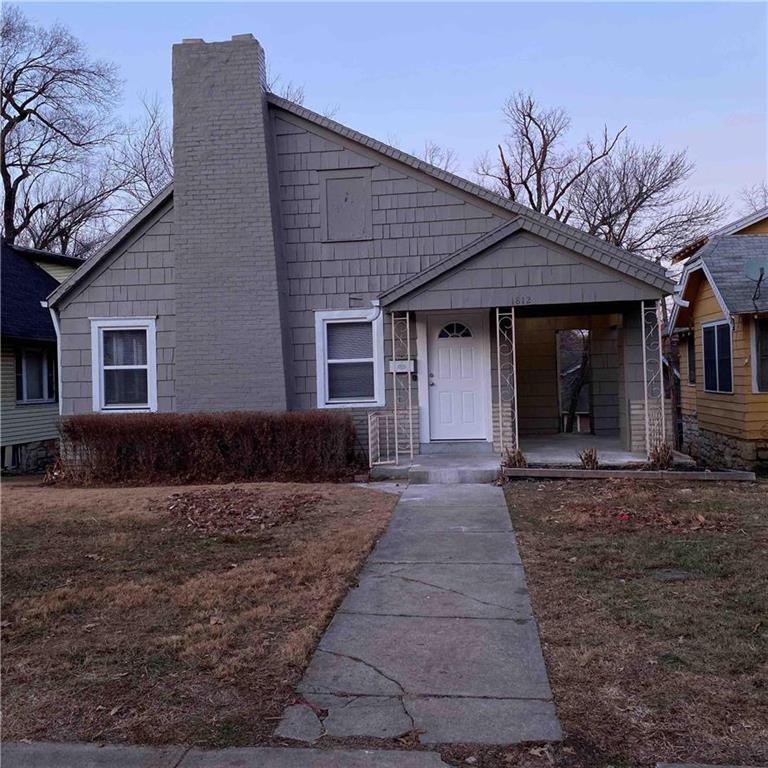 1812 E 67th Street Property Photo - Kansas City, MO real estate listing