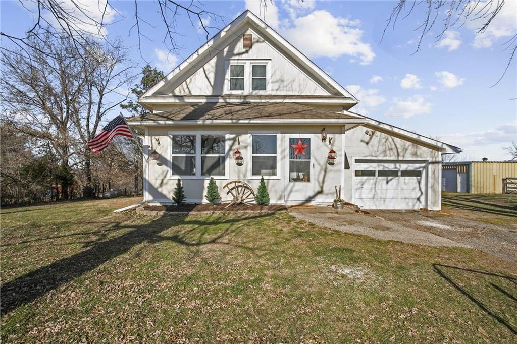 33706 E Spencer Drive Property Photo - Oak Grove, MO real estate listing