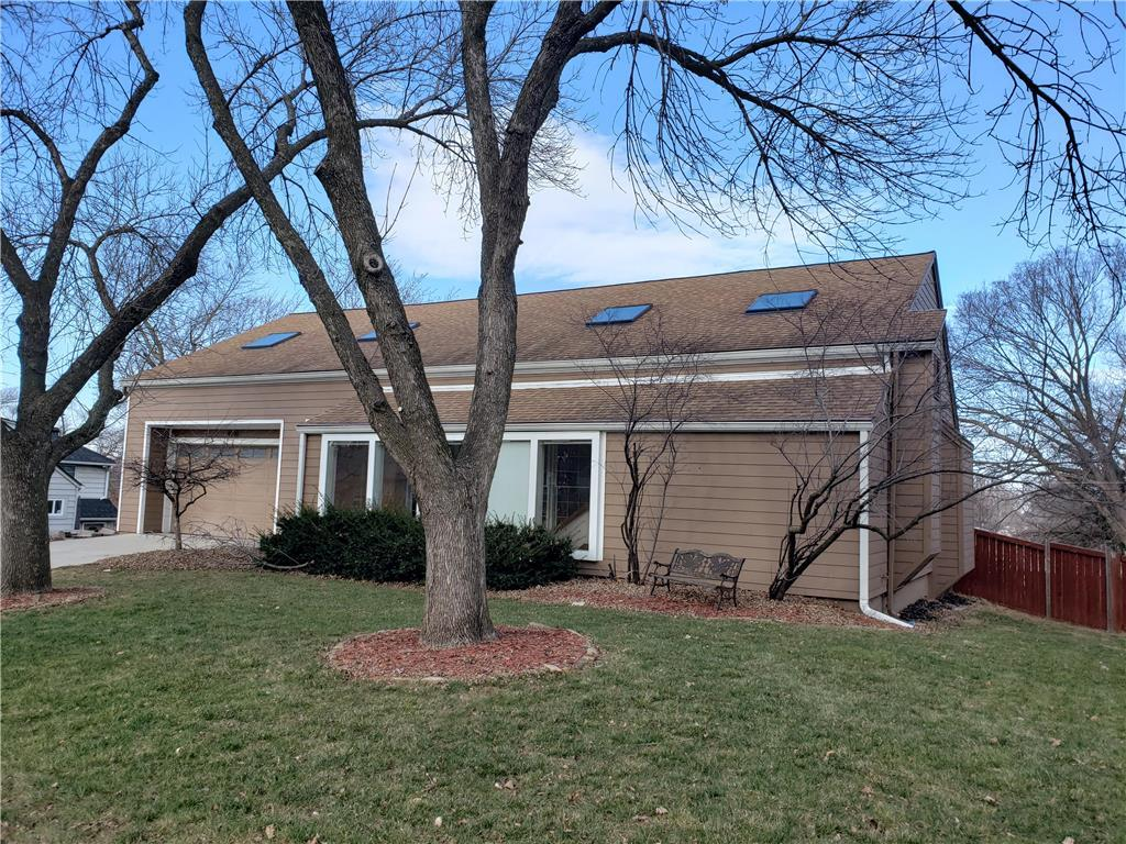 4100 W 47th Terrace Property Photo - Roeland Park, KS real estate listing