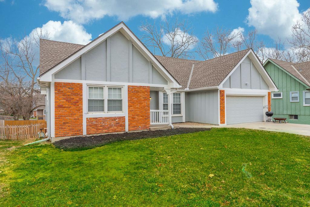 8110 Gillette Street Property Photo - Lenexa, KS real estate listing