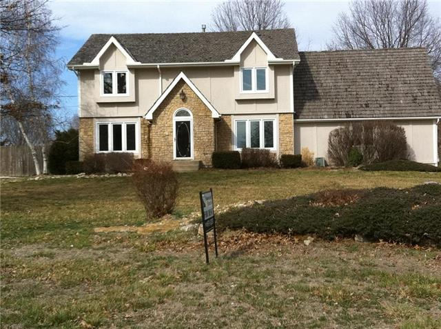 104 Willow Drive Property Photo - Lansing, KS real estate listing