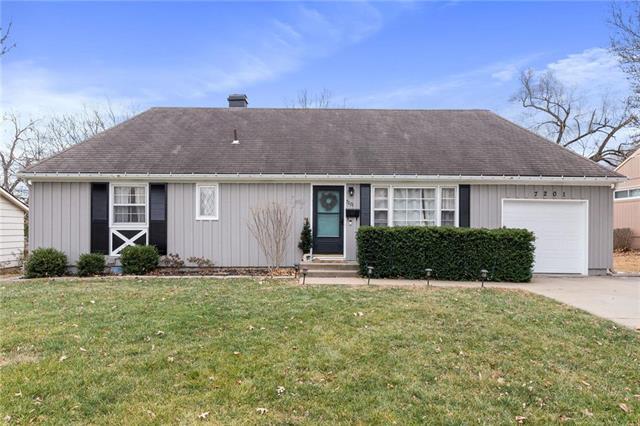 7201 W 72nd Street Property Photo - Overland Park, KS real estate listing