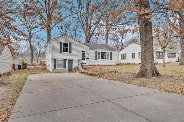 6026 Hemlock Street Property Photo - Merriam, KS real estate listing