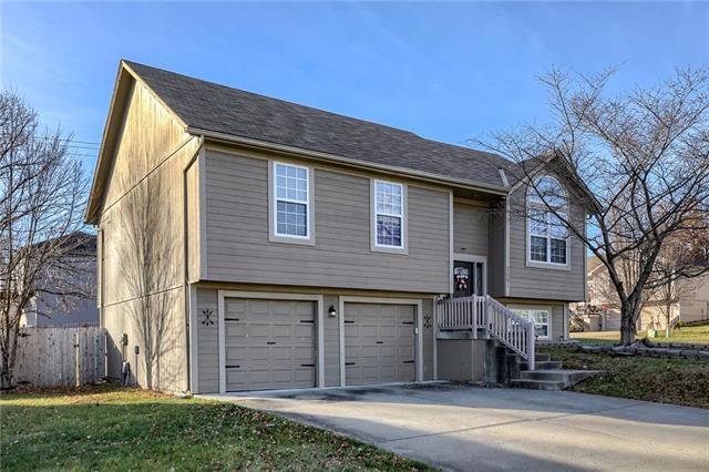 7601 NE 56th Street Property Photo - Kansas City, MO real estate listing