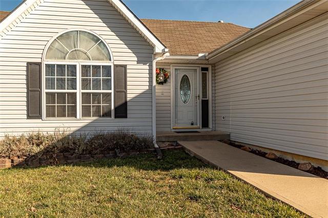 410 Hillcrest Street Property Photo - Lansing, KS real estate listing
