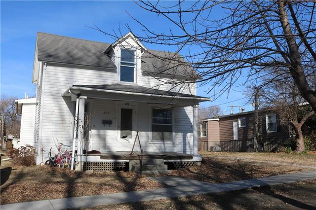 202 Kickapoo Street Property Photo - Hiawatha, KS real estate listing