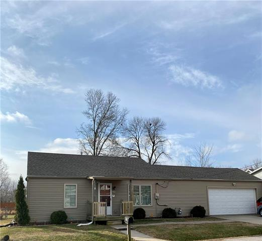 109 W 3rd Street Property Photo - Garden City, MO real estate listing