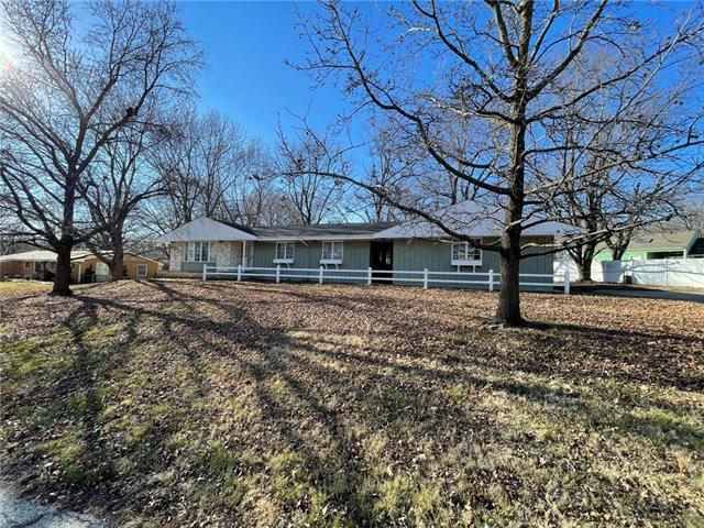 2606 S Overton Avenue Property Photo - Independence, MO real estate listing