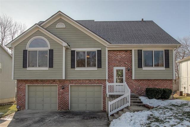 9907 W 51st Street Property Photo - Shawnee, KS real estate listing