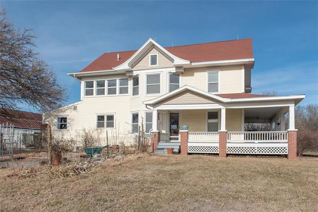1348 N 550 Road Property Photo - Baldwin City, KS real estate listing