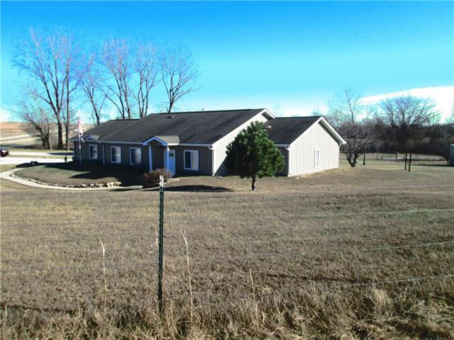 3535 SE Powell Road Property Photo - Lathrop, MO real estate listing