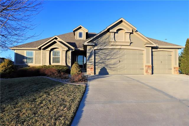 4130 S Eagle Point Court Property Photo - Blue Springs, MO real estate listing