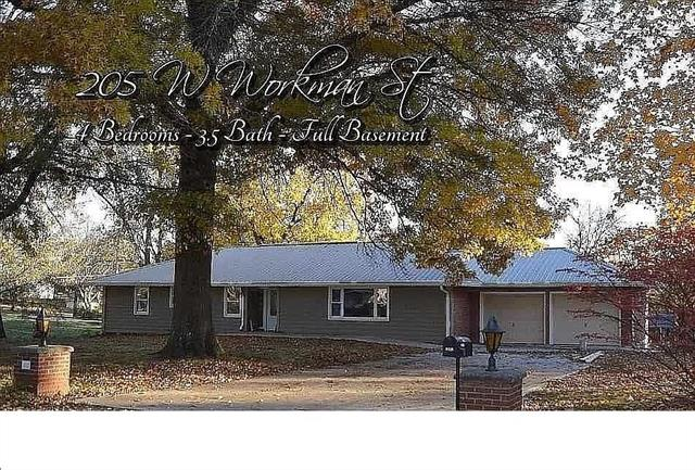 205 W Workman Street Property Photo - Knob Noster, MO real estate listing