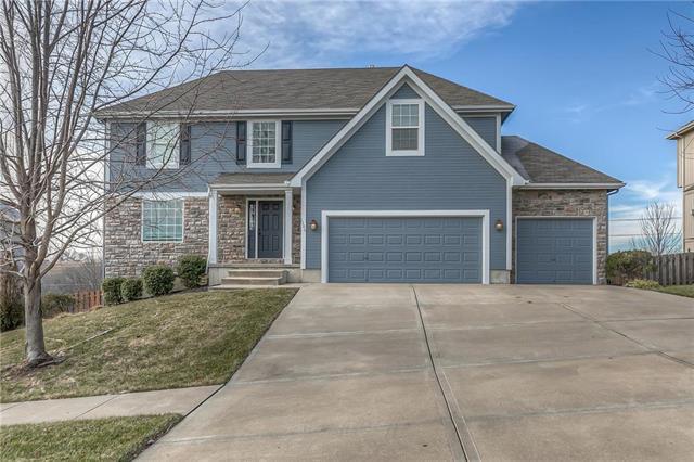 1306 Stone Lane Property Photo - Lansing, KS real estate listing