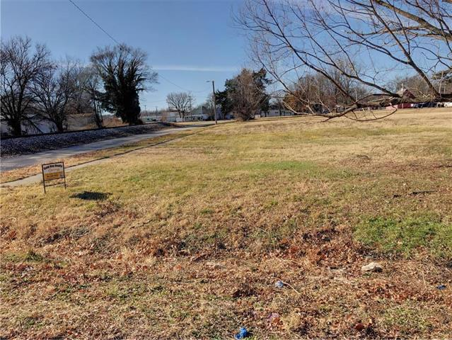 404 N Oak Street Property Photo - Garnett, KS real estate listing