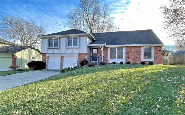 10909 W 100th Street Property Photo - Overland Park, KS real estate listing