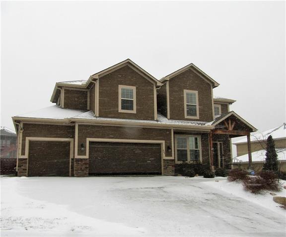 864 Ridge Drive Property Photo - Lansing, KS real estate listing