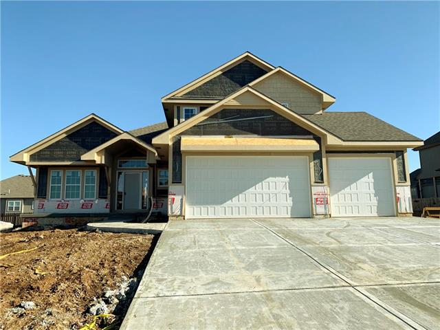 525 NE DORAN Drive Property Photo - Lee's Summit, MO real estate listing