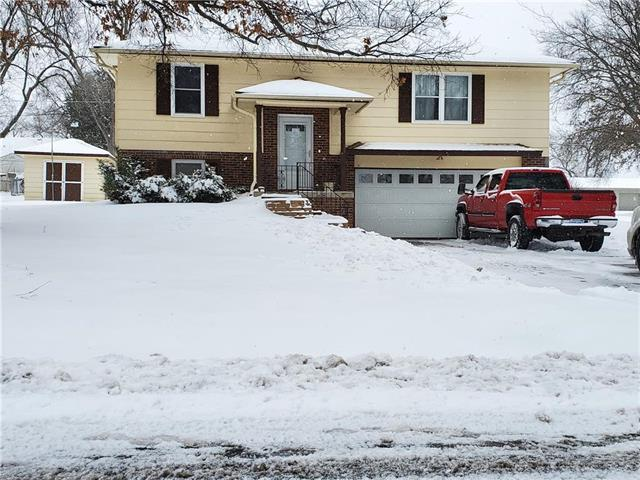 2807 N 156th Street Property Photo