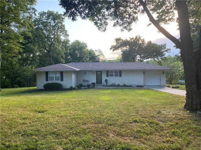 7502 NW woody creek Lane Property Photo - Platte Woods, MO real estate listing