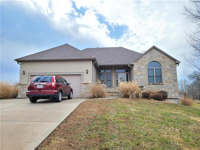 1010 W LINWOOD Drive Property Photo - Clinton, MO real estate listing