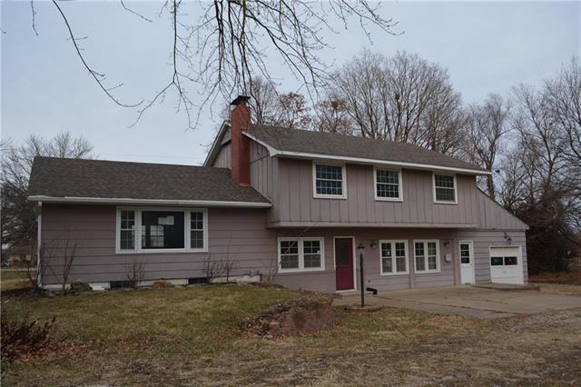 424 N Oak Street Property Photo - Garnett, KS real estate listing