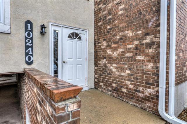 10240 W 96th Terrace #D Property Photo - Overland Park, KS real estate listing