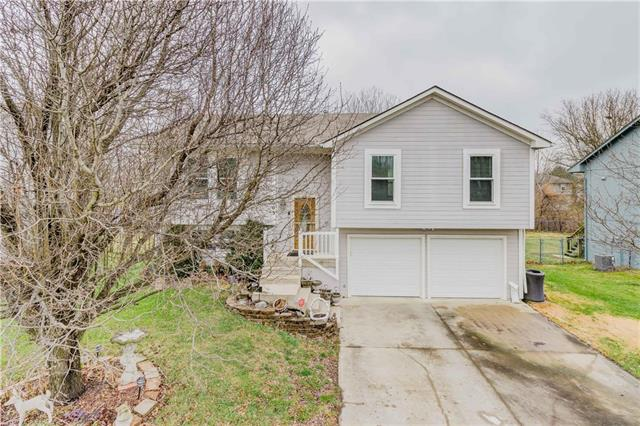203 S Darrowby Drive Property Photo - Raymore, MO real estate listing