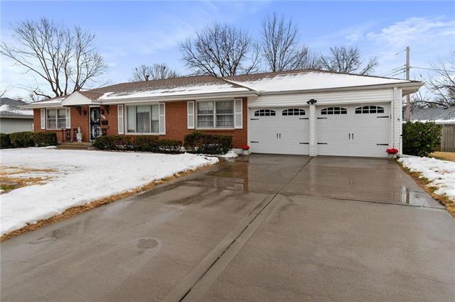 3225 NE 47th Street Property Photo - Kansas City, MO real estate listing