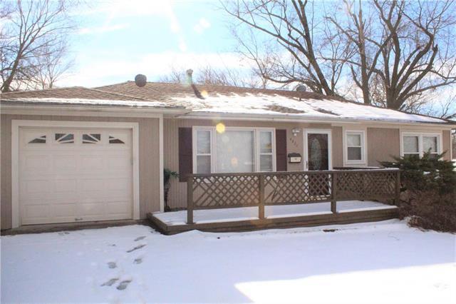 4821 Catherine Drive Property Photo - Kansas City, KS real estate listing