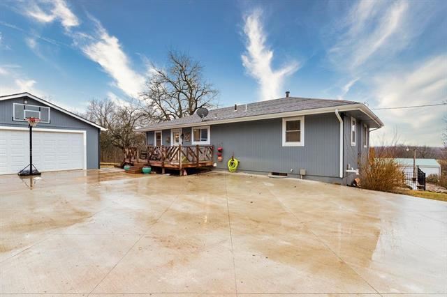 6711 E 239th Street Property Photo - Peculiar, MO real estate listing