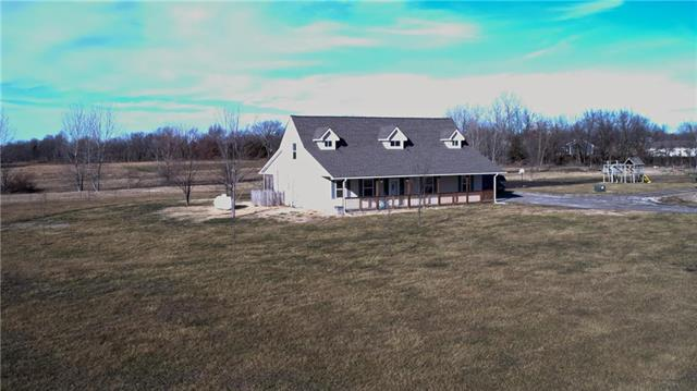 19106 S 1600 Road Property Photo - Nevada, MO real estate listing