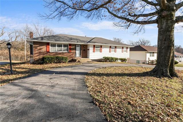 10913 Myrtle Avenue Property Photo - Kansas City, MO real estate listing