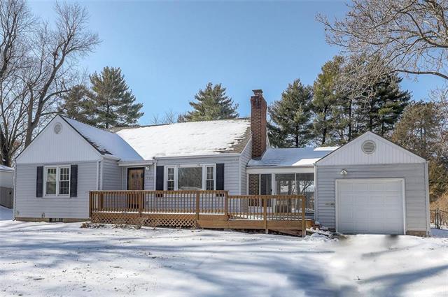 7538 Mackey Street Property Photo - Overland Park, KS real estate listing