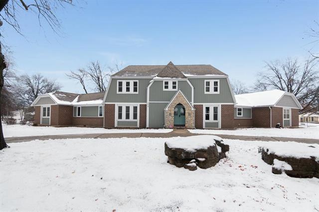 400 Johnston Drive Property Photo