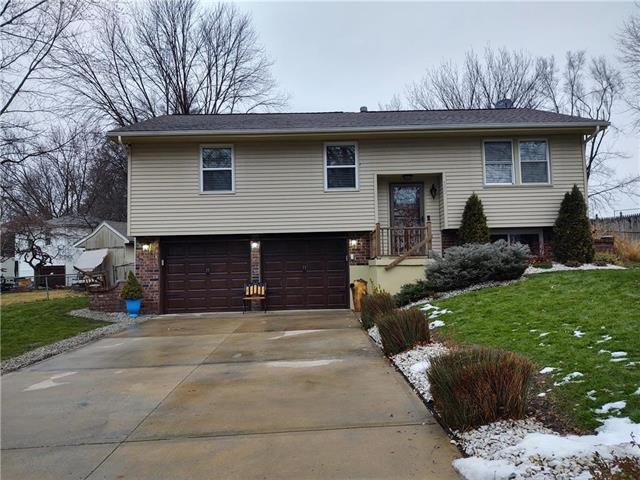 112 W Brentwood Drive Property Photo - Belton, MO real estate listing