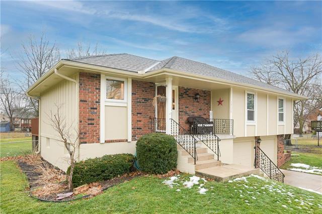 15134 S Navaho Drive Property Photo - Olathe, KS real estate listing