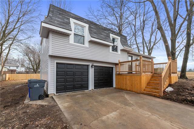 1000 N Woodland Street Property Photo - Olathe, KS real estate listing