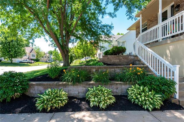 Amber Hills East Real Estate Listings Main Image